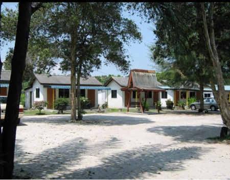 bagan villa resort sungai pelek malaysia