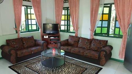 kalumpang resort chalet